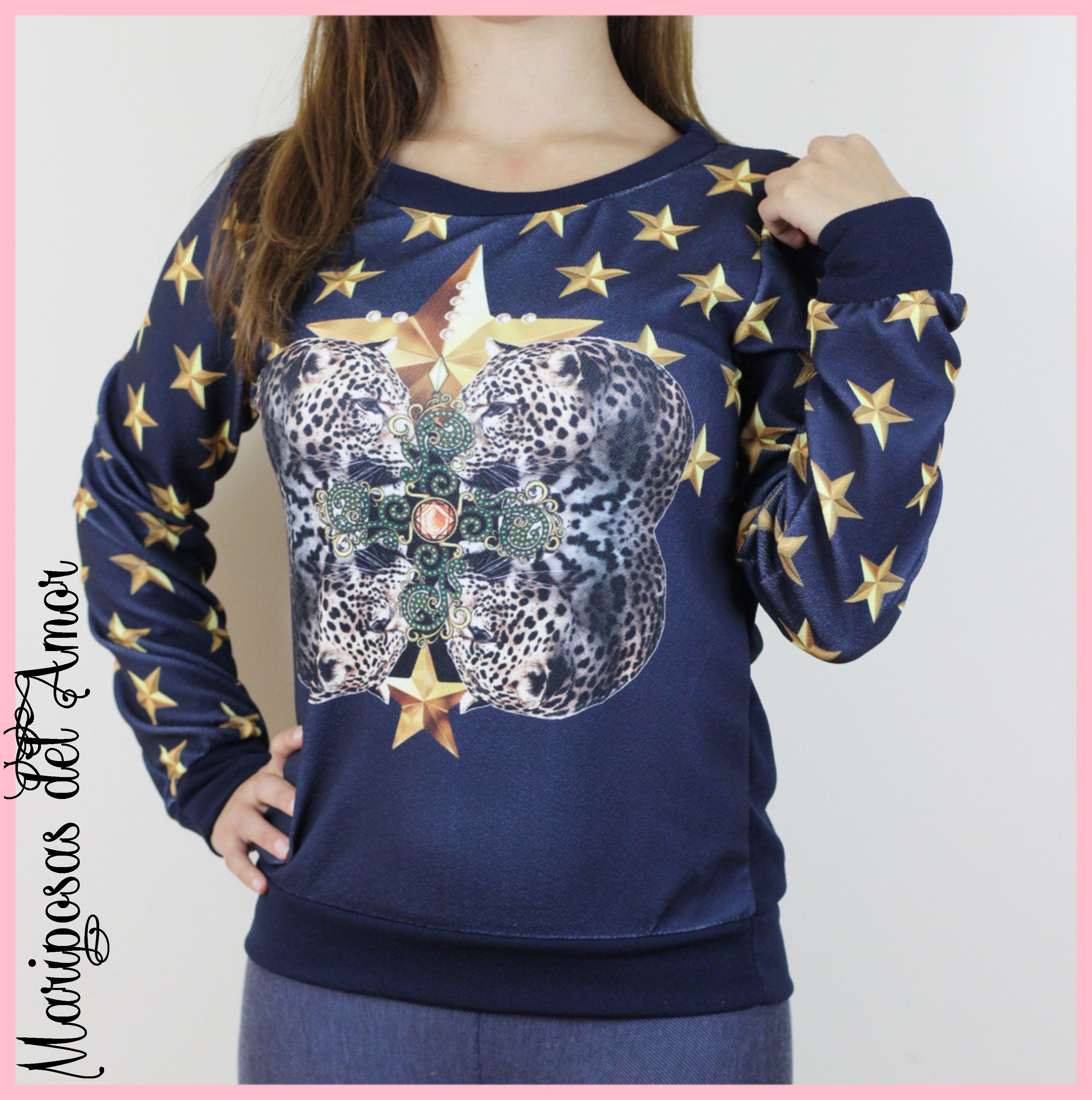 Mariposas del Amor | Sudadera azul marino con estrellas doradas y dos leopardos, la tela es algo más fina que las sudadera normales de invierno, la puedes combinar con cualquier look y usarla durante varias estaciones del año