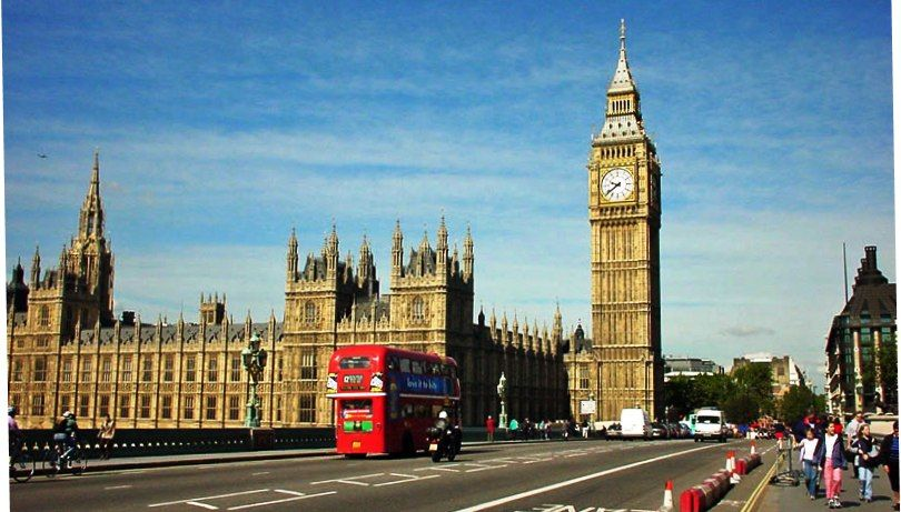 Big Ben And The House Of Parliament They Retired The Double Decker Buses Shortly After I Was There Big Ben London City London Landmarks