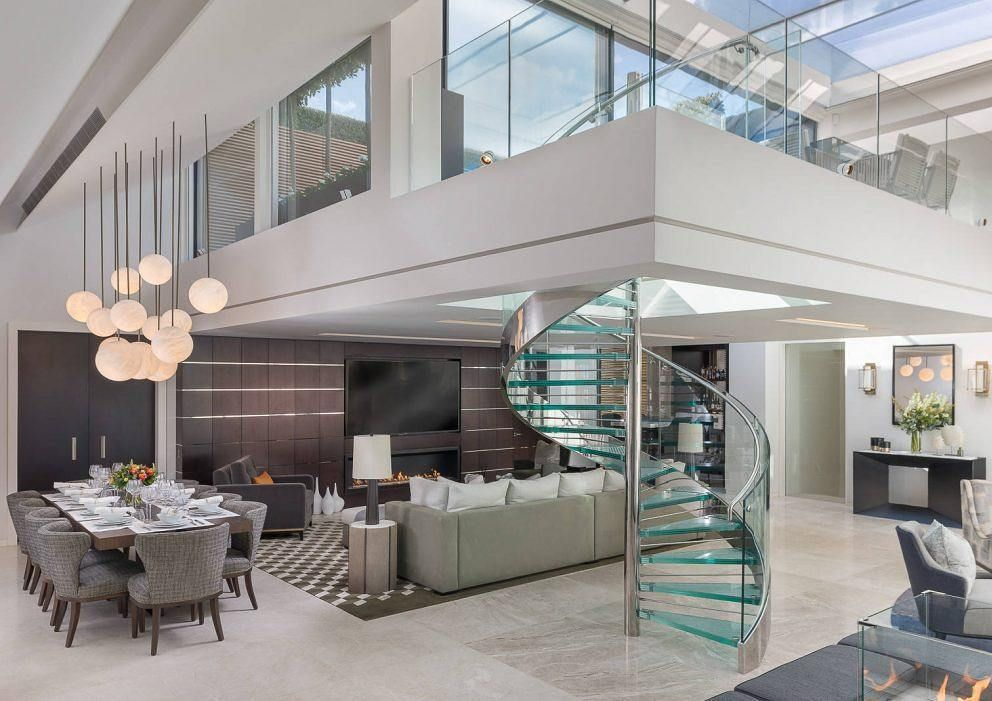 mayfair duplex penthouse this stunning duplex penthouse apartment ismayfair duplex penthouse this stunning duplex penthouse apartment is located in mayfair london uk unique open space concept would you use it?