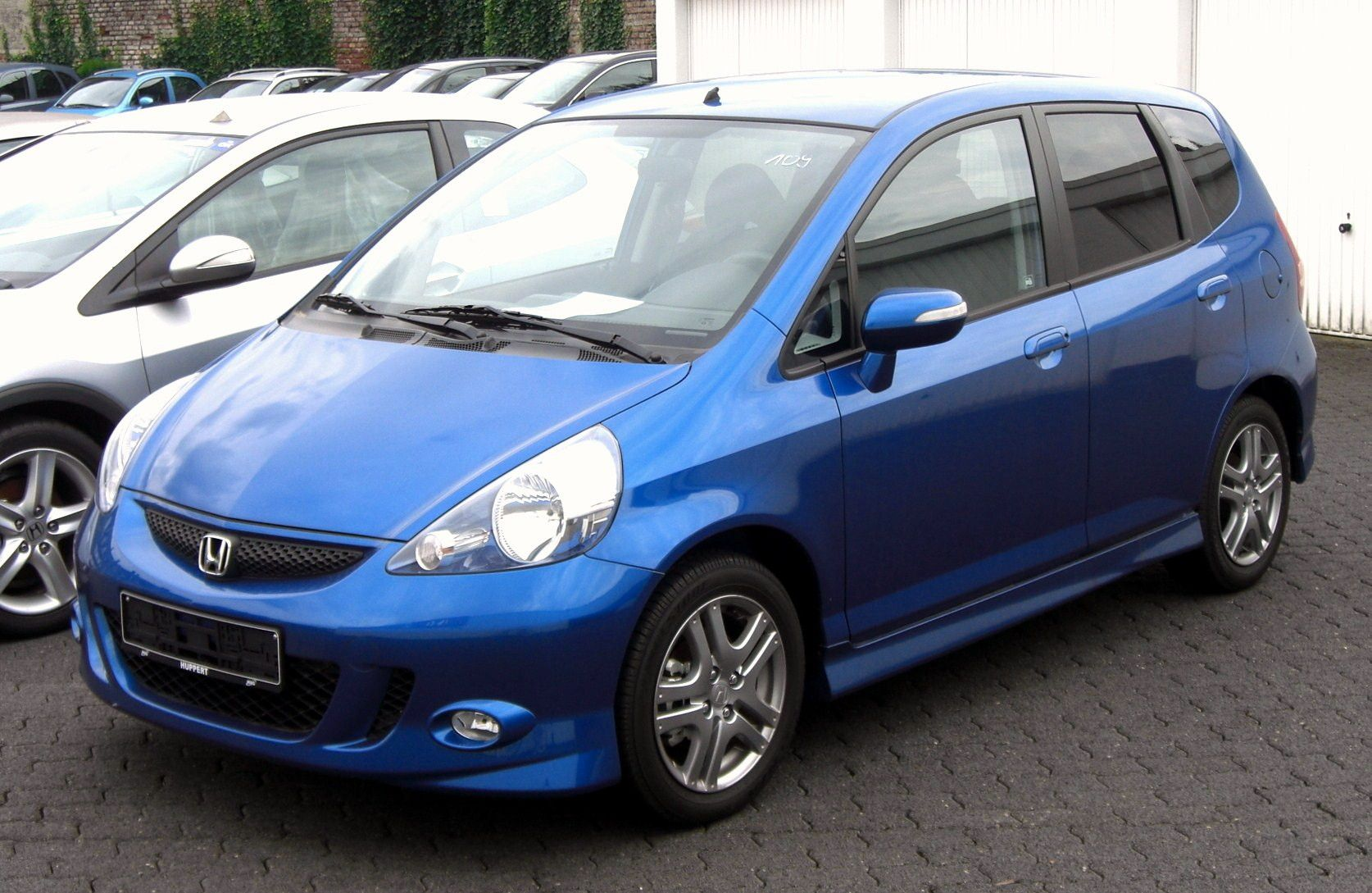 Sport honda jazz i appreciate all sort of competitive sports and my sport interest also provide