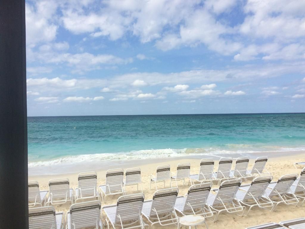Beach Royal Palms Club On 7 Mile Grand Cayman