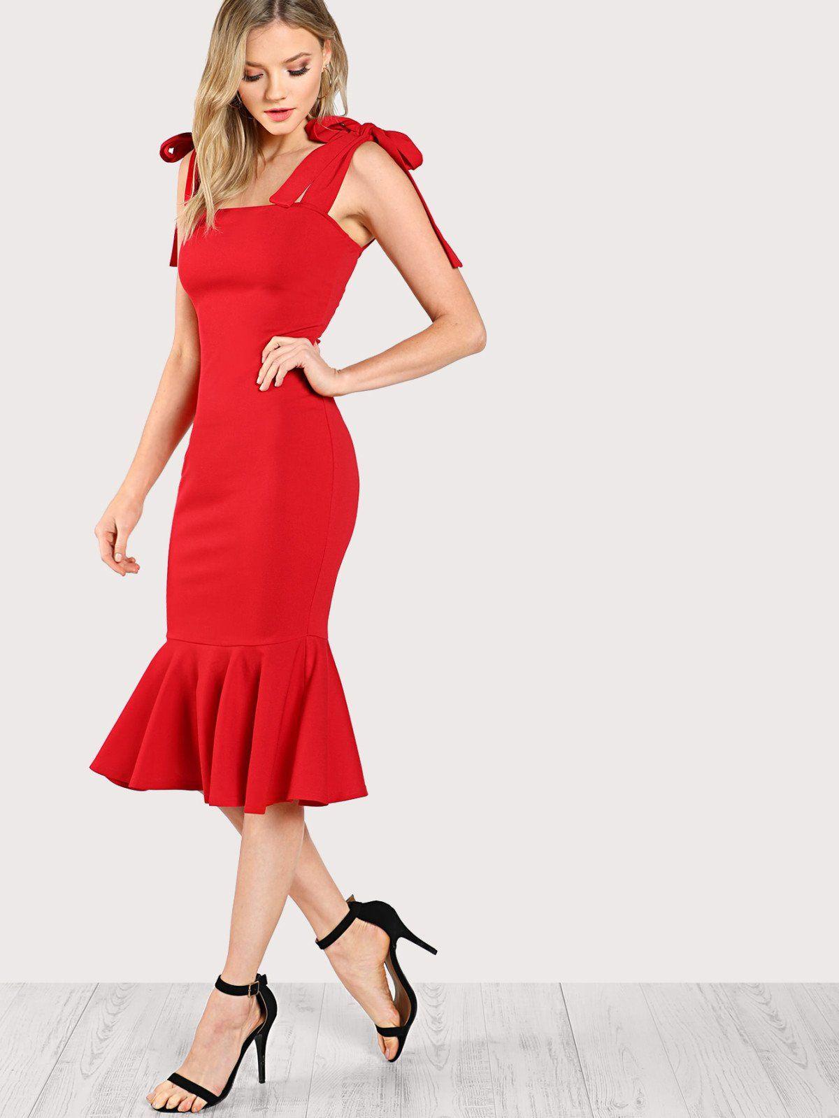 Sleeveless dresses long dresses decorated with ruffle ruffle hem