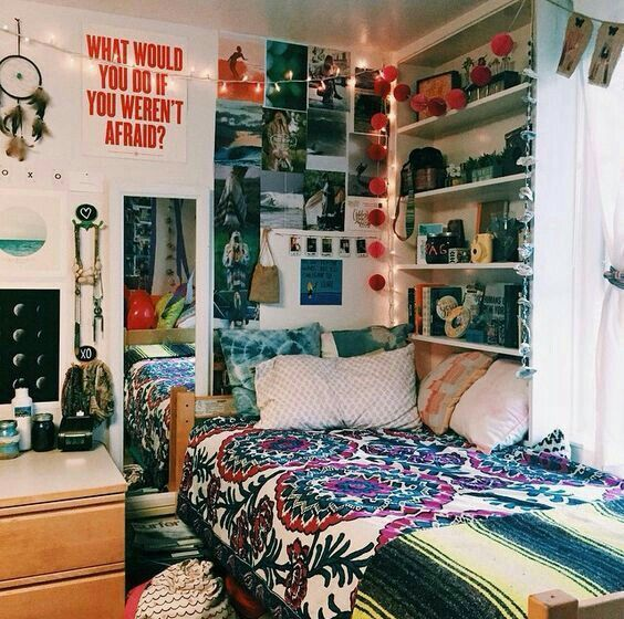 I love the bookshelf by the window | BEDROOM IDEAS | Pinterest ...