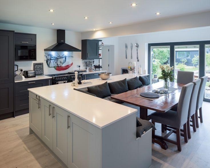 Tolle Idee, Küche / Essbereich zu kombinieren!