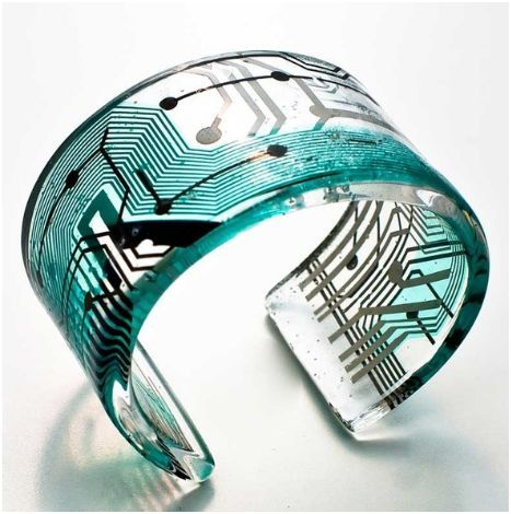 """Recycled High Tech Jewelry by Cirkutia - The Beading Gem's Journal. Talk about """"re-purposing!"""" This is just too cool from many different standpoints. Wow!"""
