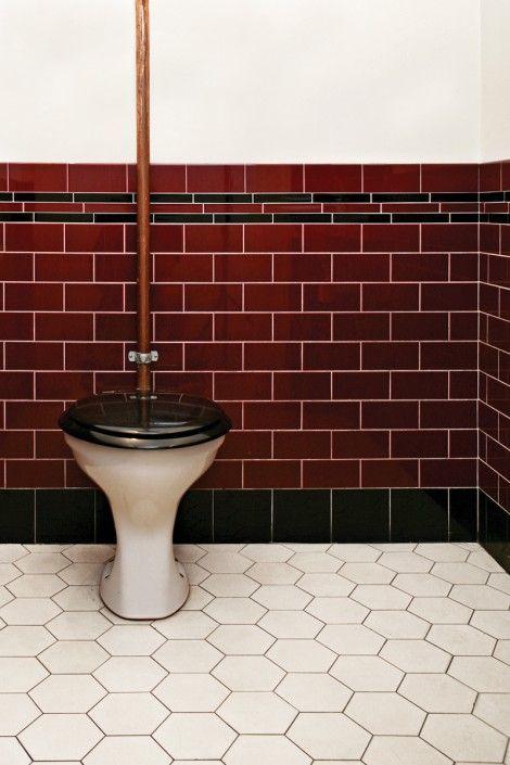 badezimmer 1920, 1920-tal. oxblodsfärgat kakel och sexkantigt klinker   bathrooms, Badezimmer