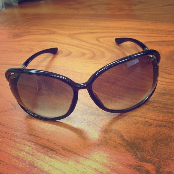 Authentic Tom Ford Sunglasses Authentic. Raquel style. Excellent condition with case. There is the tiniest little scuff on one of the lenses, does not affect sight what so ever. These are an excellent deal!!!! Happy Poshing!!! Tom Ford Accessories Sunglasses