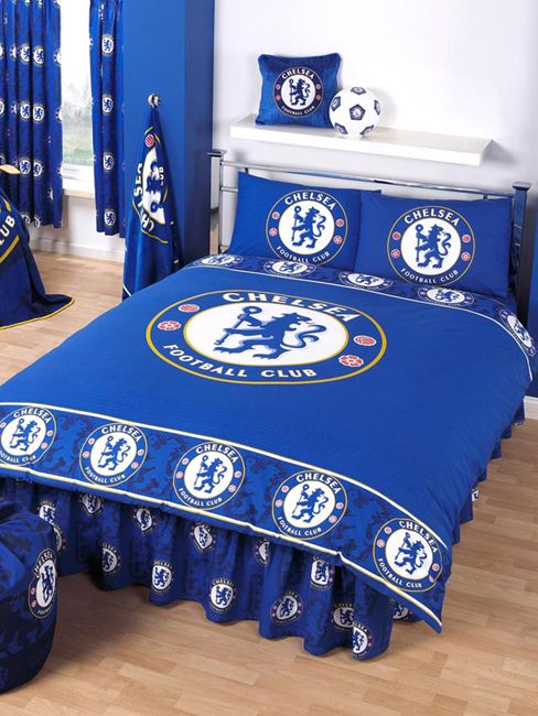 Chelsea Bedding   Border Crest Double Duvet Set This Chelsea bedding set  features the Chelsea crest on the front of the duvet and the pillowcase. Chelsea FC Duvet Cover and Pillowcase Border Crest Double Bedding