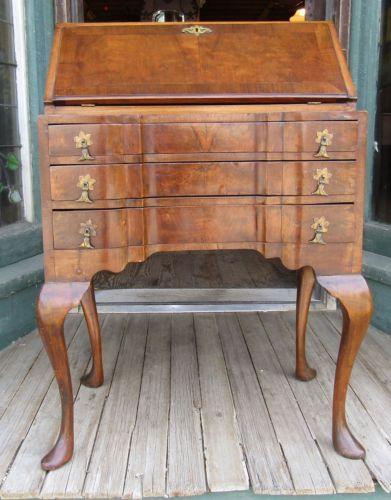 Diminutive continental burl wood la s desk