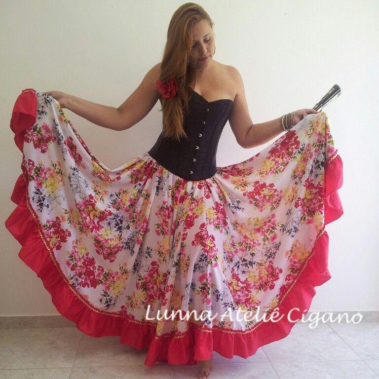 Saia floral com babado vermelho e detalhe dourado saia cigana floral gypsy skirt dança cigana gypsy dance floral skirt www.facebook.com/ateliecigano