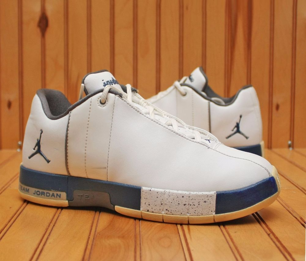 35716d30a65aca 2009 Nike Air Jordan Team Elite II Low Size 7Y - White Blue Grey - 310087  145  Nike  BasketballShoes