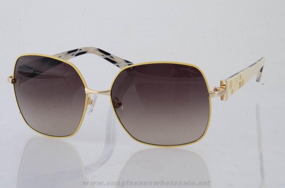 Chanel 6100 Yellow Frame Brown Outlt Black Friday