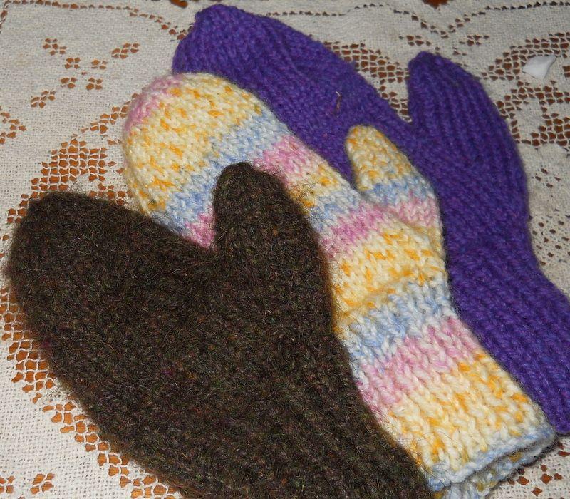 Plain and Joyful Living: Two Needle Mitten Pattern ...