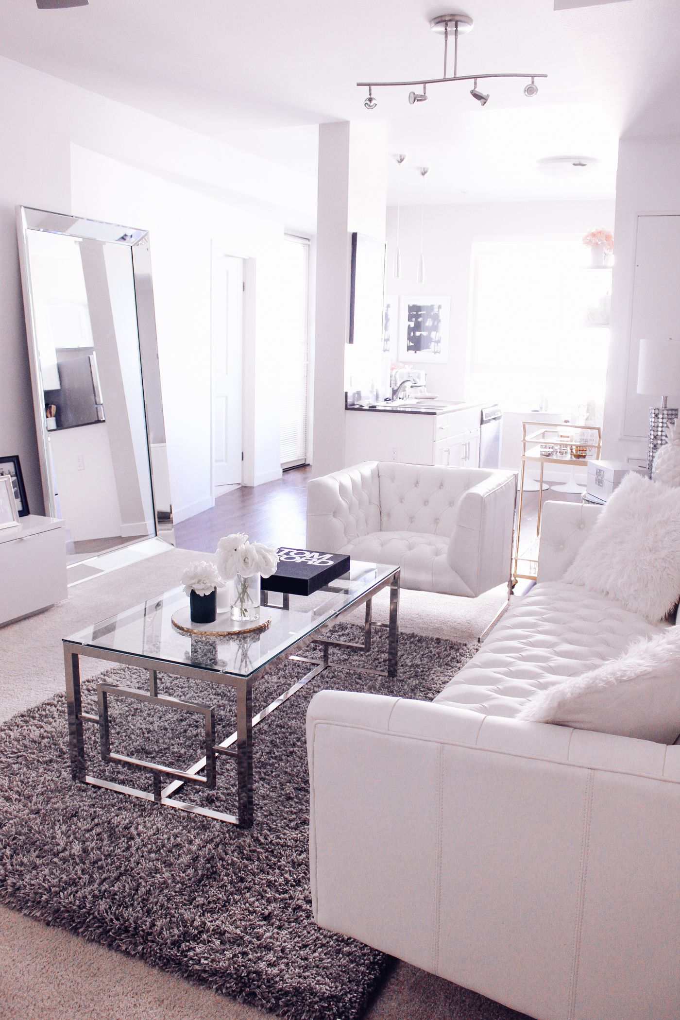 4 Reasons Why Your Home Needs A Leaner Mirror | Living room white ...