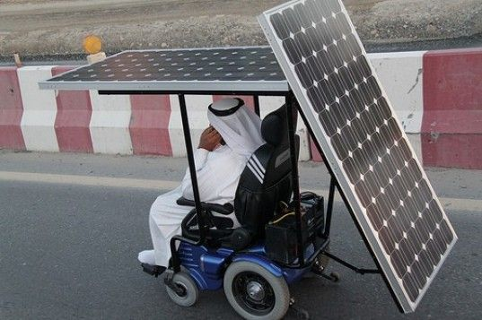 wheelchair emirates patio chair plans designer makes 200 miles trek in solar powered green what an awesome guy he went on a trip across the desert through 7 stopping at universities and schools giving speeches about his life