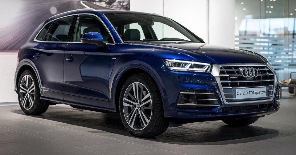 2017 Audi Q5 In Navarra Blue Metallic On Display In Neckarsulm Carscoops Audi Neue Autos Autos Und Motorräder