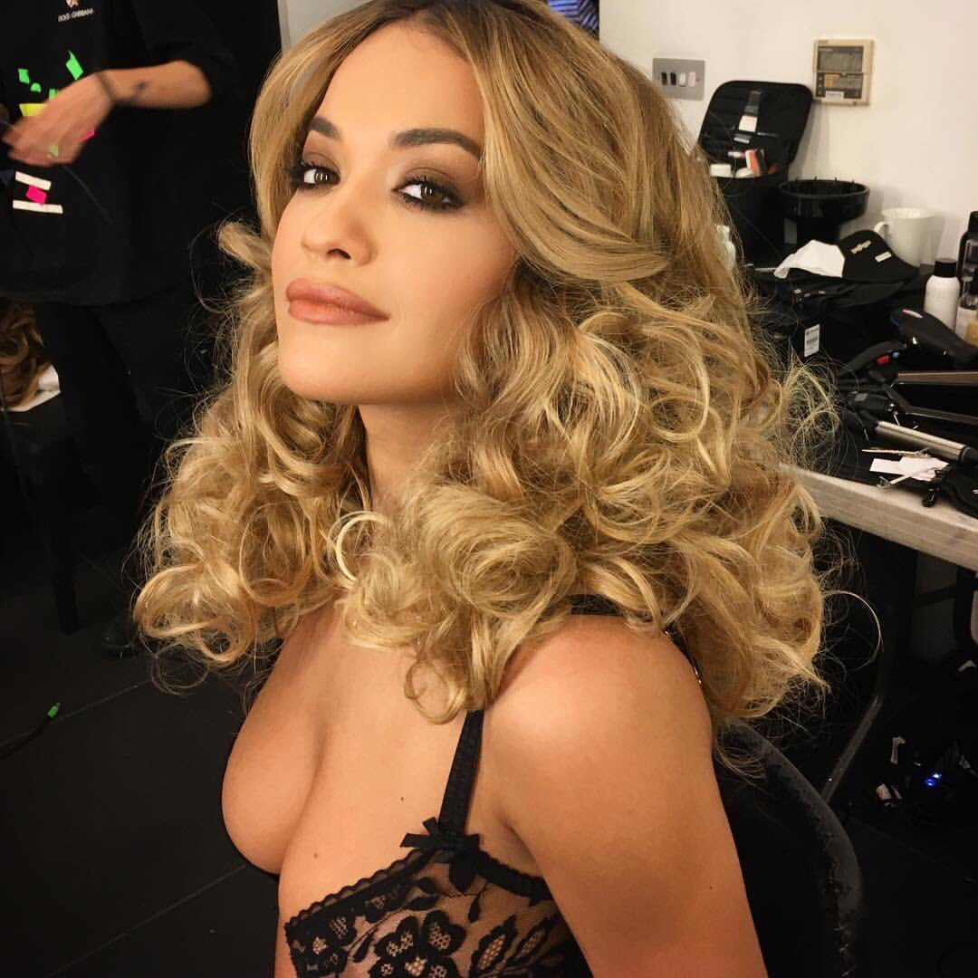 Nasse boobs Bilder