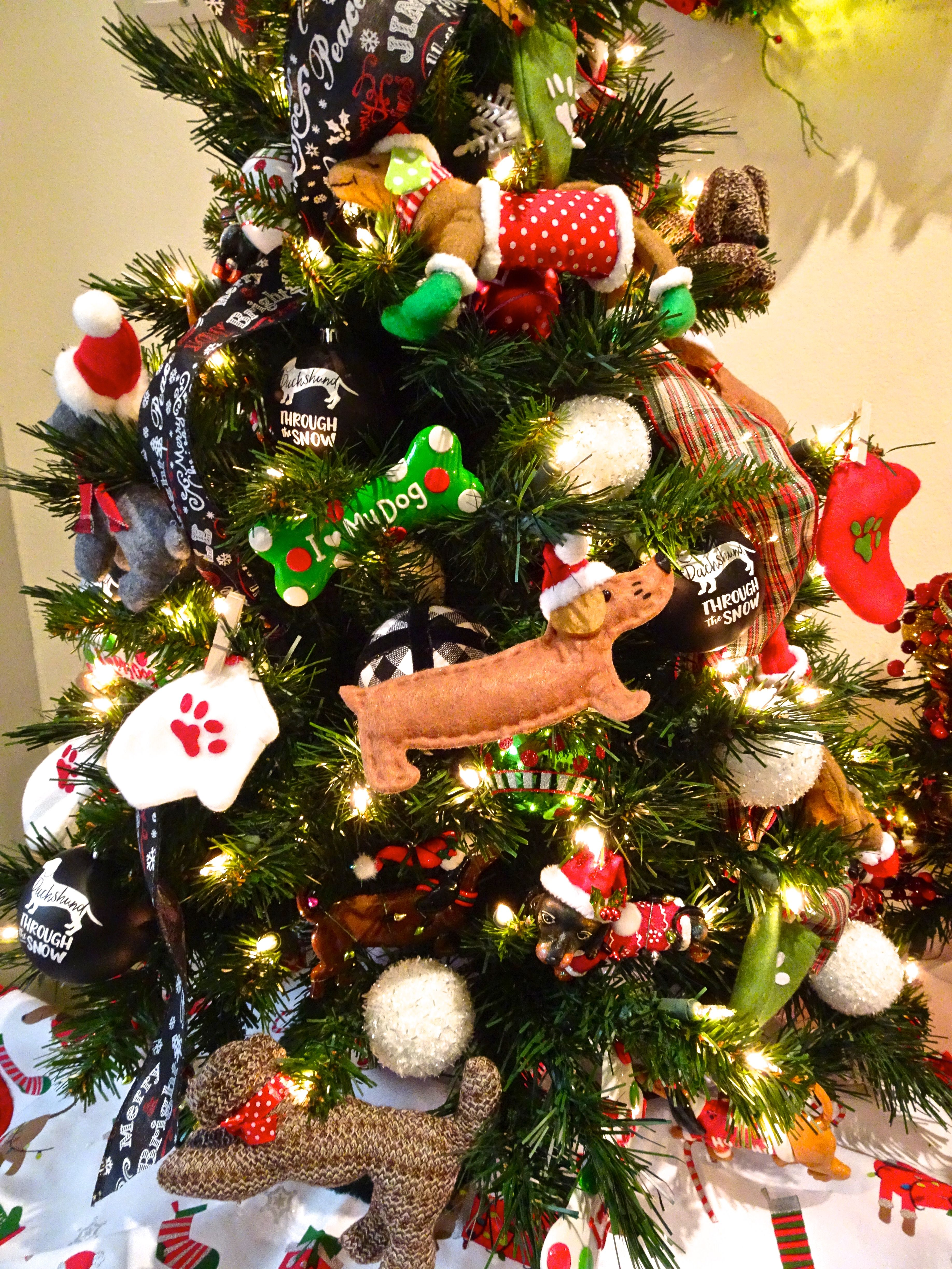 Festival Of Trees Orlando Museum Of Art Celebrating 30 Years Funandfork In 2020 Christmas Tree Themes Christmas Tree Dog Christmas Tree Design
