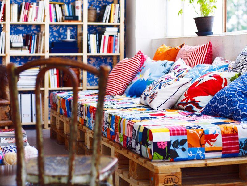 sitzkissen aus ikeastoffen n hen little things m bel aus paletten bett m bel und holzpaletten. Black Bedroom Furniture Sets. Home Design Ideas