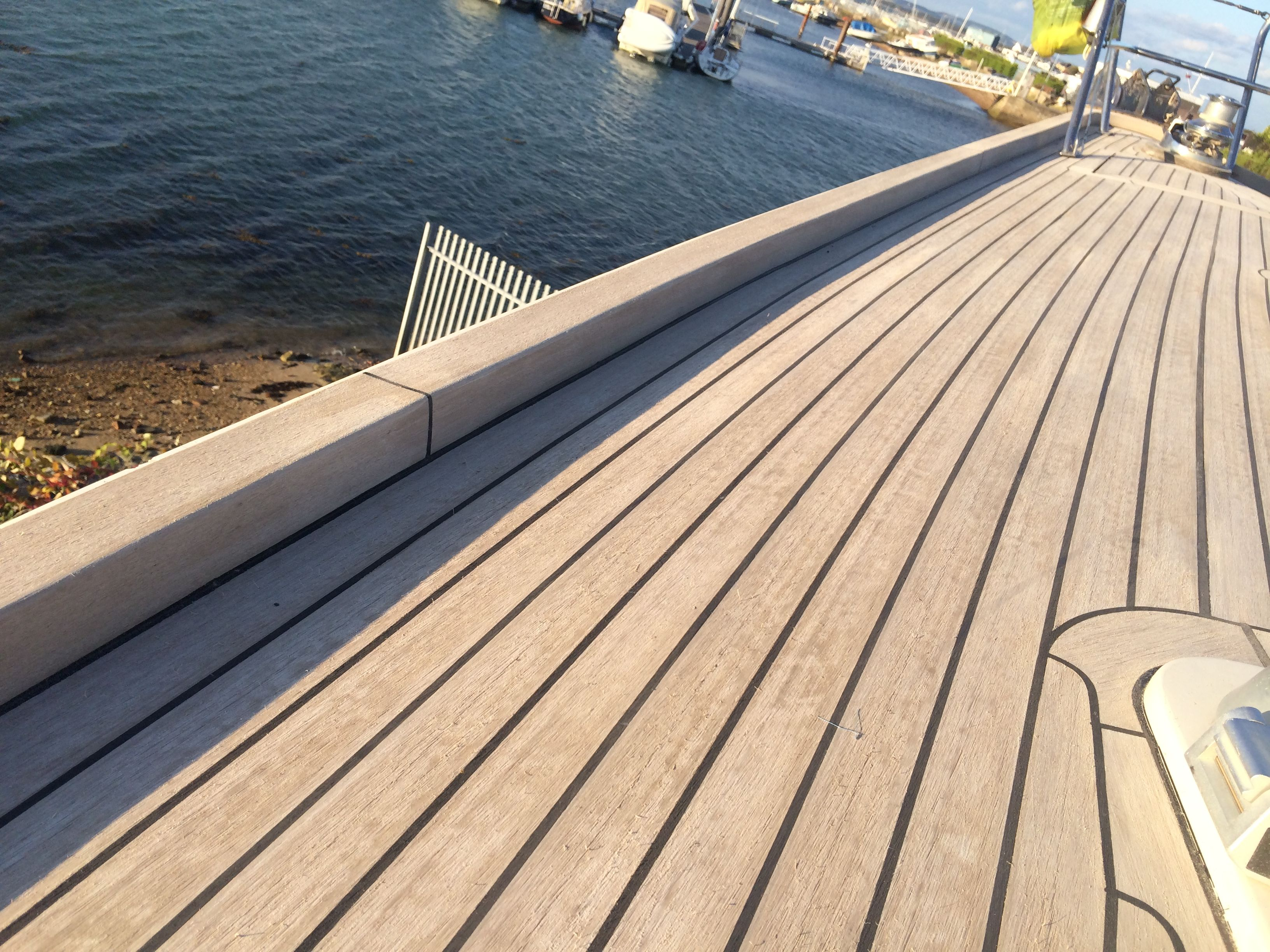 Vinyl Floor Covering For Pontoon Boats Best Synthetic Deck Material