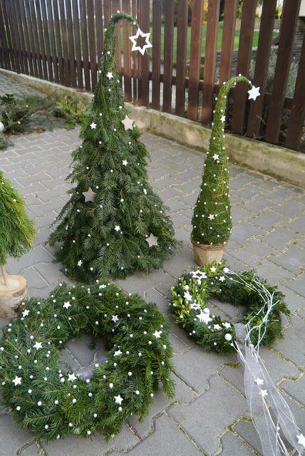 Zwei f r treppe einer f r dekoeimer deko pinterest weihnachten weihnachtsdekoration und - Weihnachtliches dekorieren ...