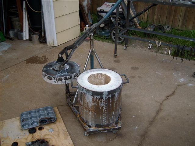 Gas furnace for melting aluminium / other metals More homemade shop equipment. - WeldingWeb™ - Welding forum for pros and enthusiasts