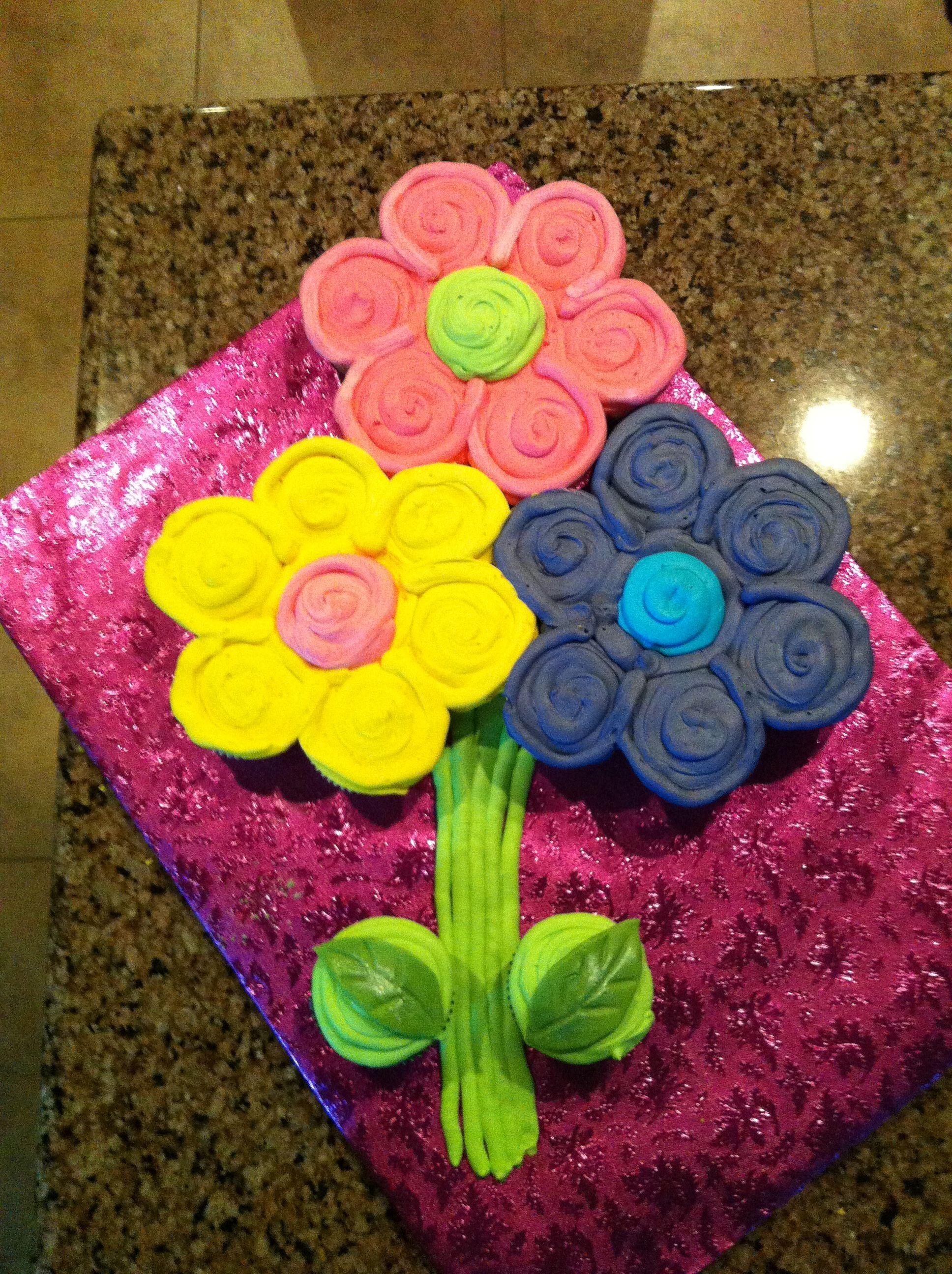 Flower cupcake cake.