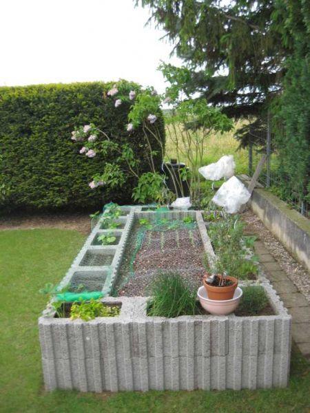 Hochbeet aus Pflanzsteinen (Bims) - Bauanleitung zum Selberbauen - 1-2-do.com - Deine Heimwerker Community #vorgartenanlegen