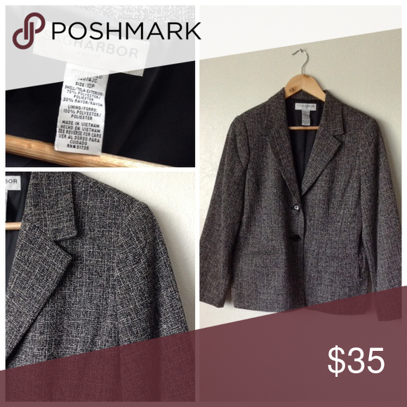 Sag Harbor Thick Blazer Size 10P Nice blazer. Great condition. 🍥Reasonable offers or bundle 3 or mor get 20% less Sag Harbor Jackets & Coats Blazers