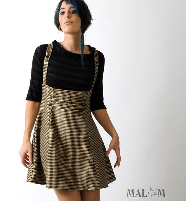 5c4c6b19a36 High waisted jumper skirt with suspenders -Black and Gold vintage  houndstooth - sz M - Paneled underbust skirt. €6