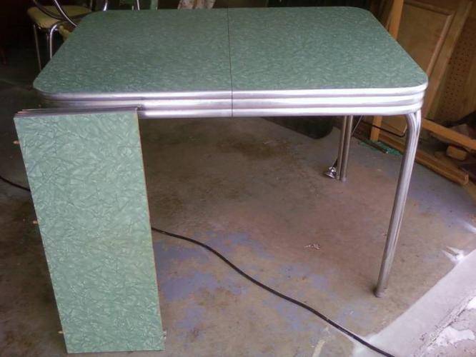 Etonnant Green Cracked Ice Table | Vintage 50u0027s Chrome Table And Chairs In  Saskatoon, Saskatchewan For .