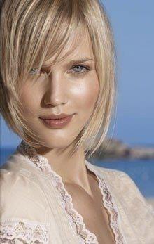 Beige Color....Style tendre beige Coiffure cheveux mi