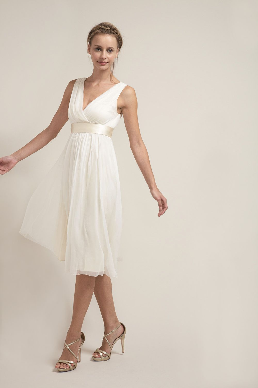 Du6574 effortless short vneck wedding dress vegas