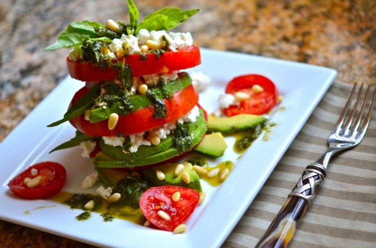 Salat Anrichten Leckere Rezepte Originelle Serviervorschlage Und Tipps Zum Nachmachen Avocado Salat Leckere Salate Kopfsalat Rezept