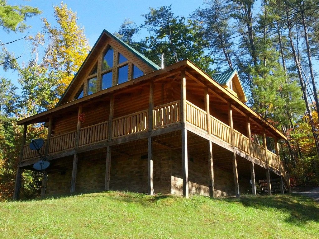 Willow Ridge: gorgeous getaway  Cabin vacation rental in