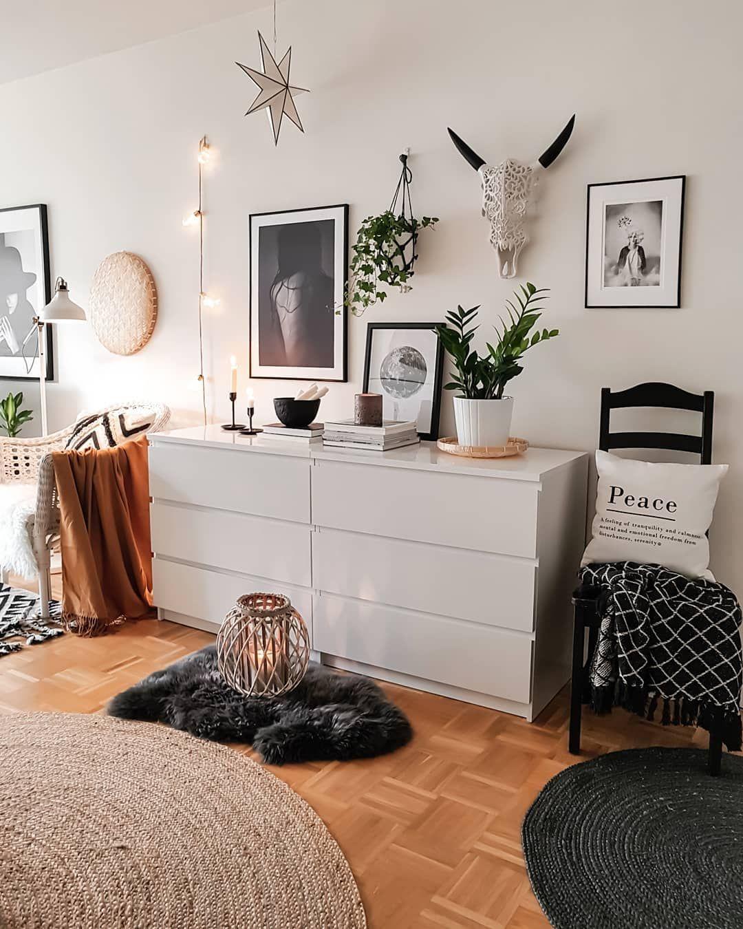 Provenance De La Photo Instagram Mk Nordic Interiordesign Interiors Design Deco Skandinavianhome Scandinaviani In 2020 Home Minimalist Bedroom Bedroom Design