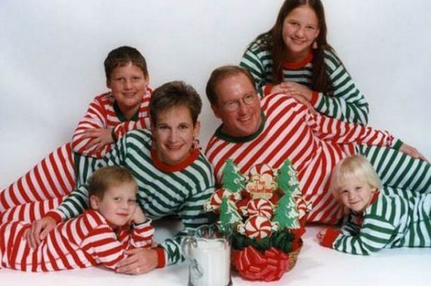 Ugly Christmas Family Pictures.Ugliest Weirdest And Downright Most Unsettling Christmas