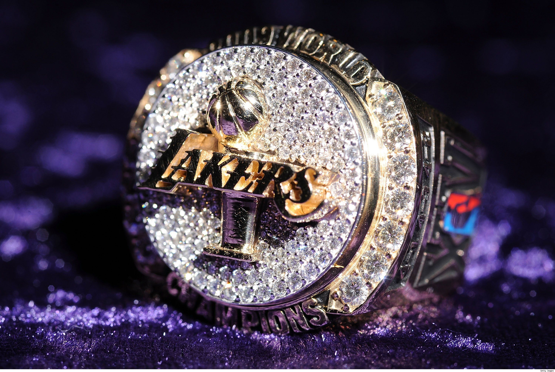 LAKER CHAMPIONSHIP RING | Lakers championships, Lakers ...