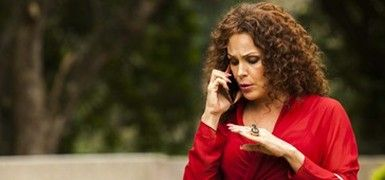 Carolina Ferraz é travesti em drama com irmã e sobrinhos (Guilherme Maia/Divulgação)
