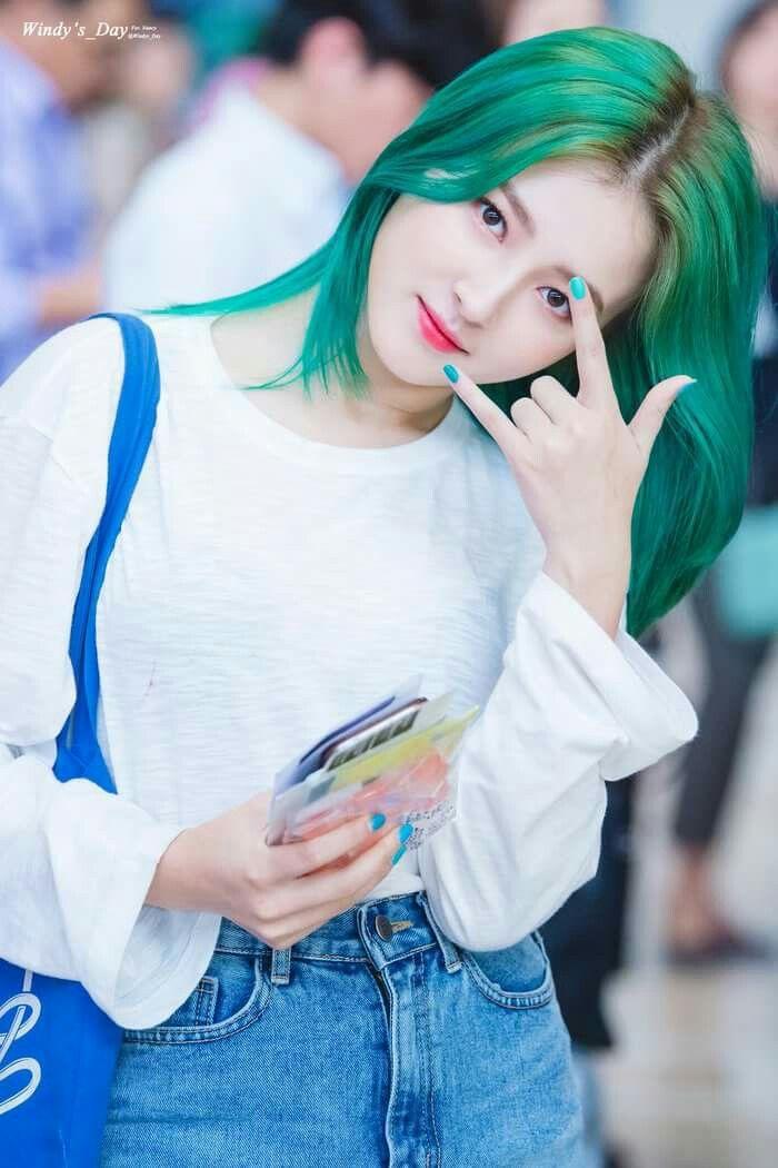 Nancy With Green Hair Momoland Pinterest Le Jolie