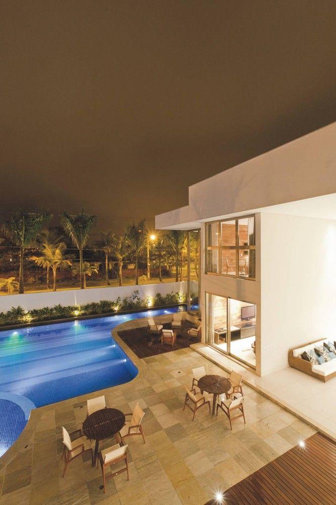 Casas, apartamentos e terrenos  venda e aluguel Guarujá