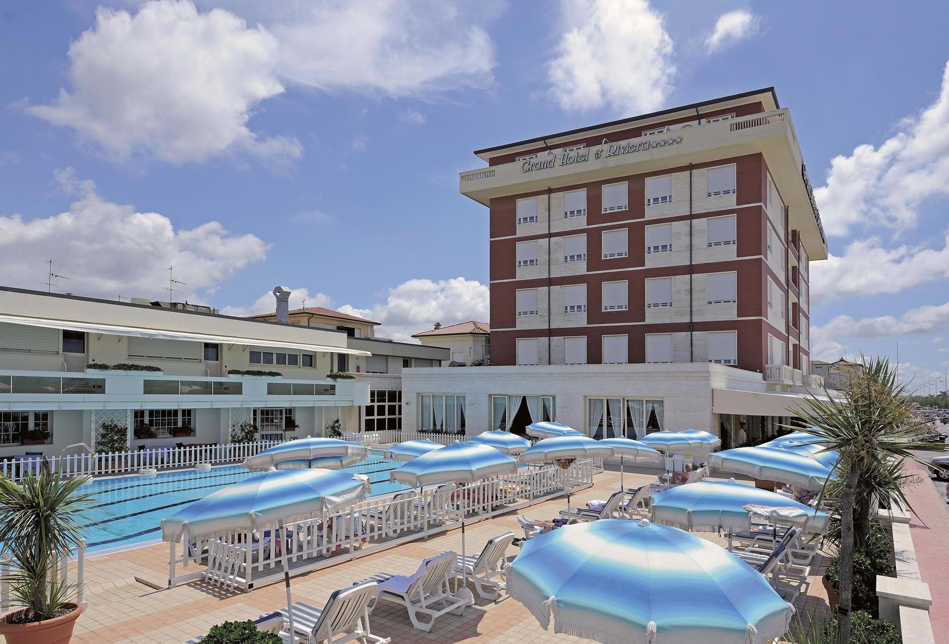 Foto degli interni dell\'albergo e degli esterni dell\'Hotel Riviera a ...