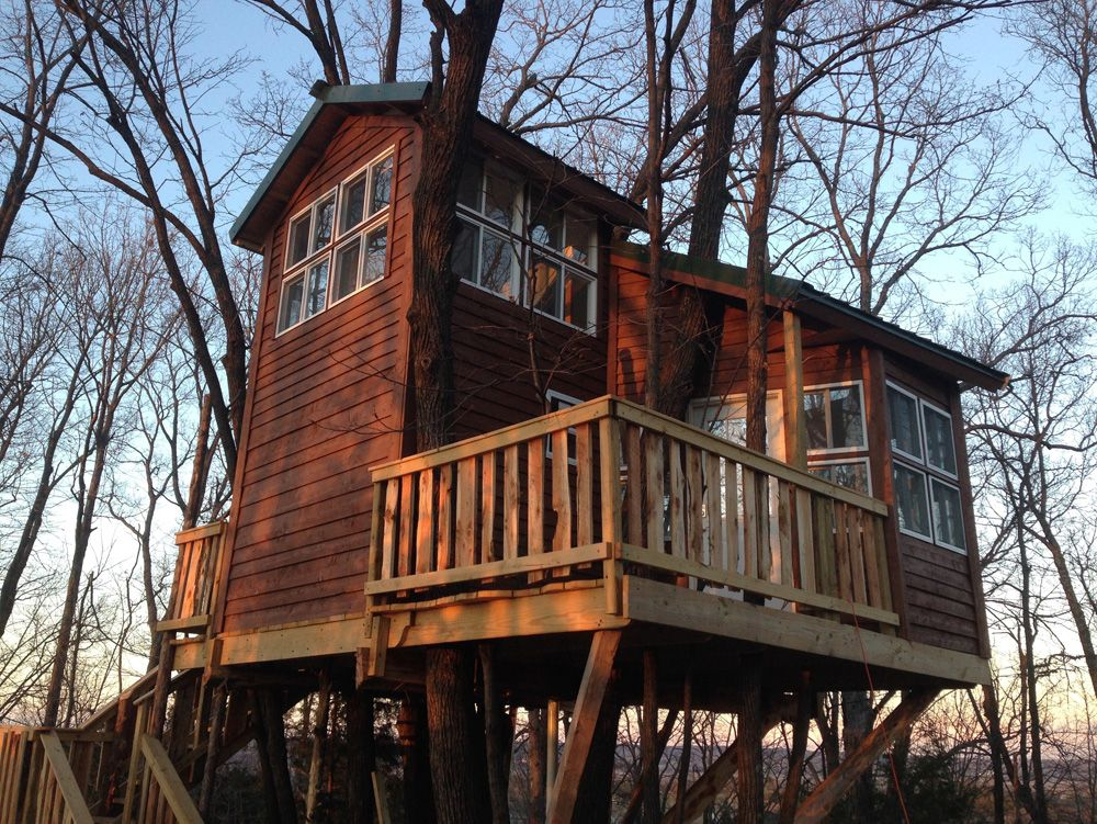 Missouri Tree House Bed and Breakfast and Cabin Lodging