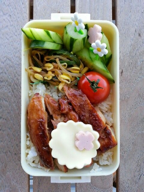 Soy sauce chicken bento lunch. 11-03-2014♥