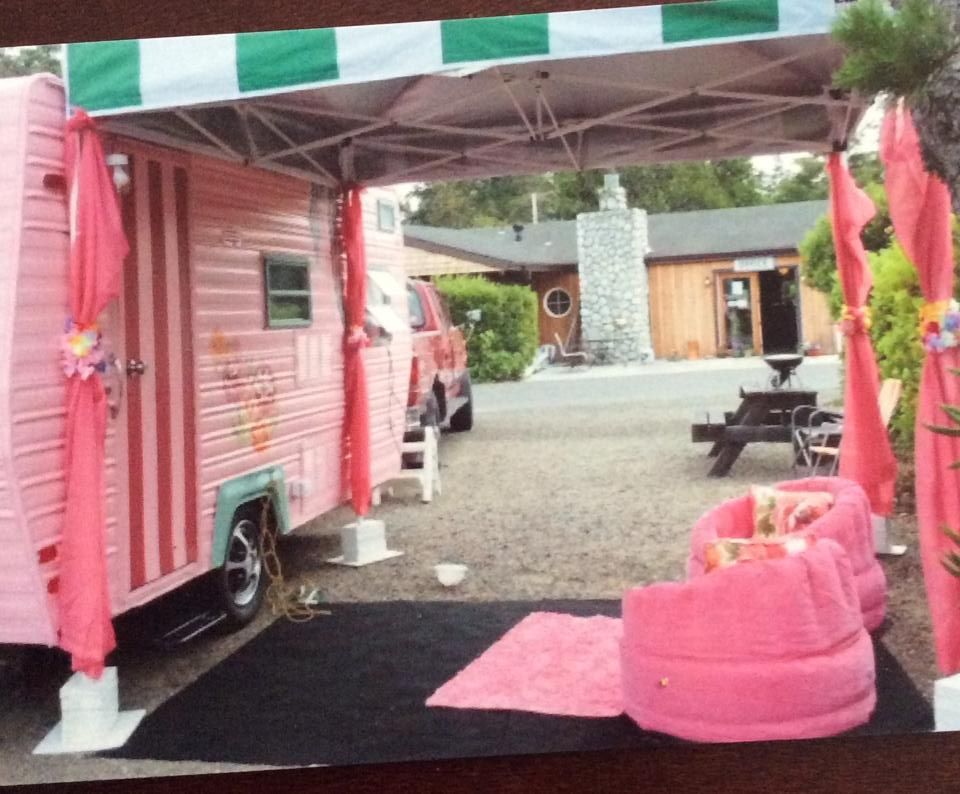 Easy Up Canopy As Vintage Camper Awning From The Person