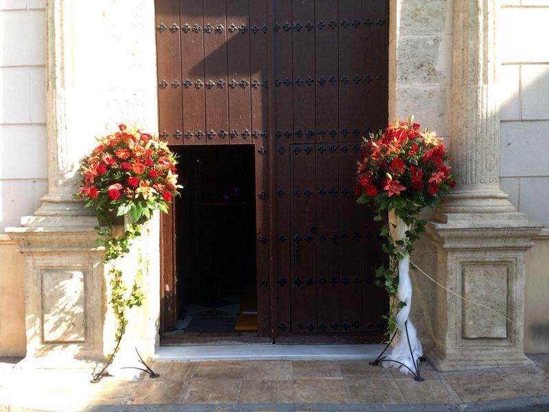 Entrada iglesia decoraci n en rojo decoraciones for Casa decoracion willow