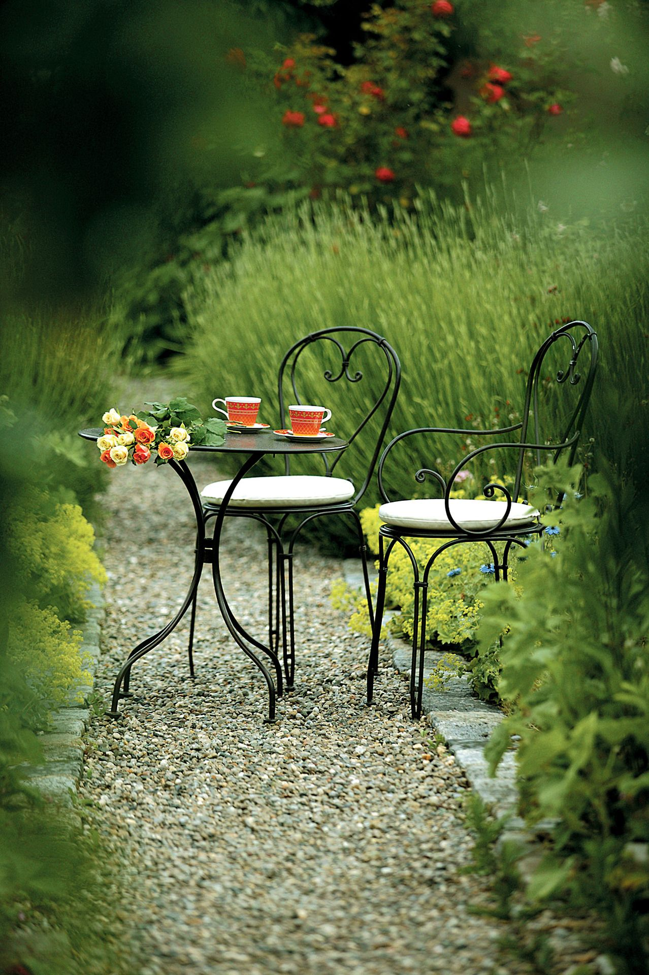 I Like It Having A Nice Tea With Mother Nature Always In The Country Http Samidssomarspace Wordpress Com Repas Jardin Jardins Amenagement Jardin
