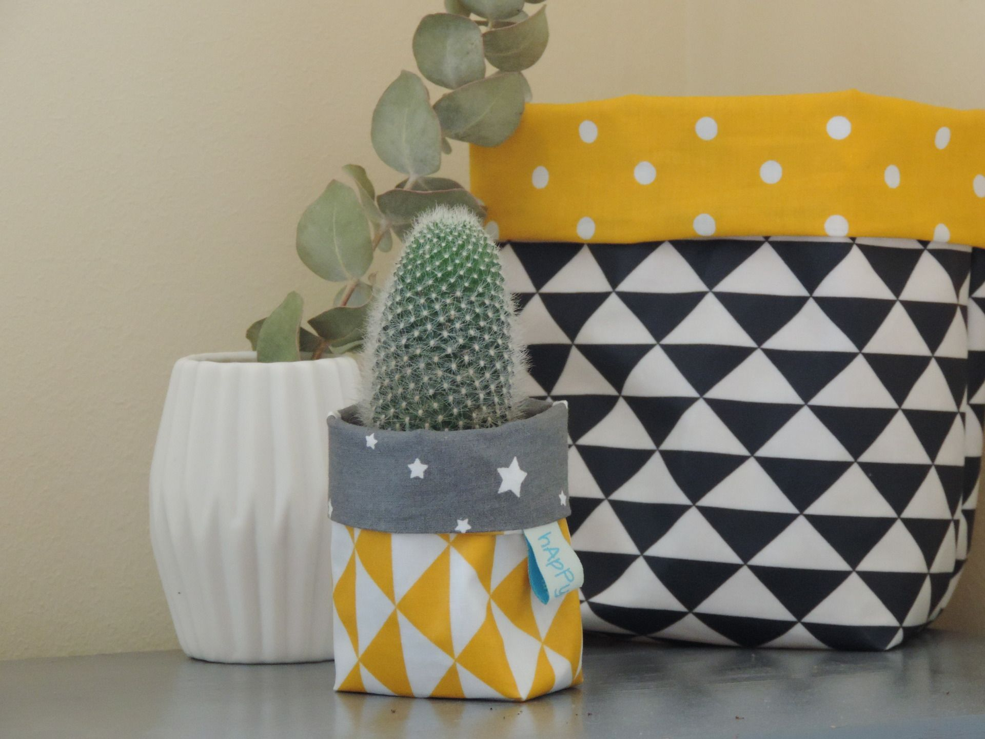 mini cache pot pour cactus en coton enduit accessoires de maison par happyaime style. Black Bedroom Furniture Sets. Home Design Ideas