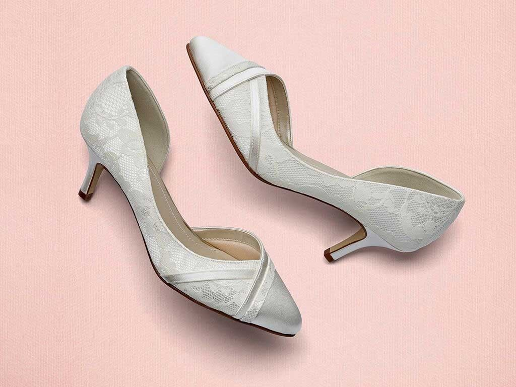 7bef76299a68 An open waisted court wedding shoe in our Classic Lace