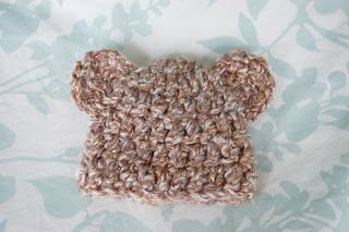 Alli Crafts: Free Pattern: Fuzzy Bear Hat With Ears - Premie- links for other sizes #premiebabyhats